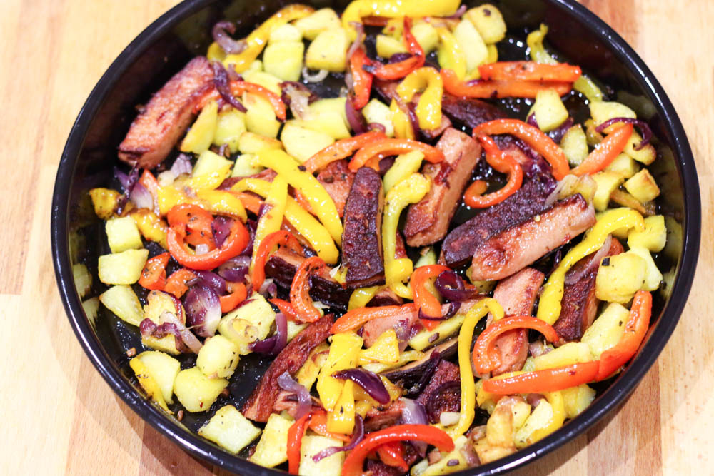 roast sausages and vegeatables