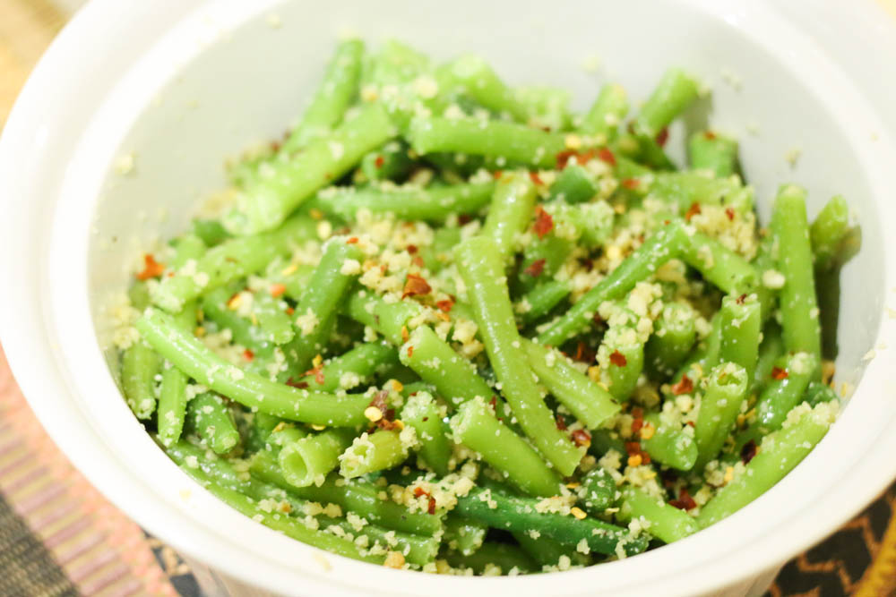 green beans with pesto